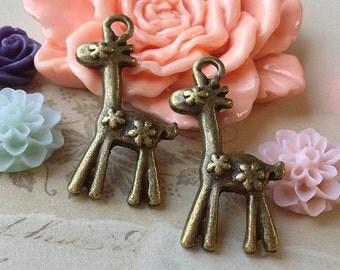 18 x 30 mm Antique Bronze Giraffe Metal Charms. (.ntc)