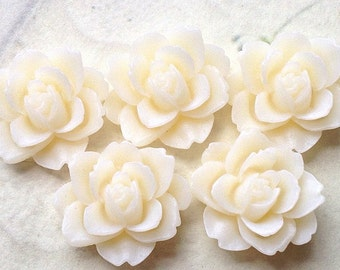 19 mm x 18 mm White Colour Resin Peony Flower Cabochons (am)
