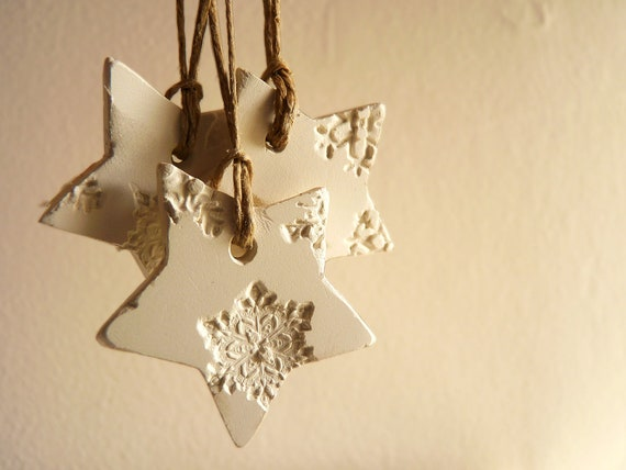 10 snowflake Christmas ornaments, white and pearl porcelain, star shaped