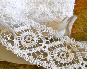 Soft White Cotton Trim