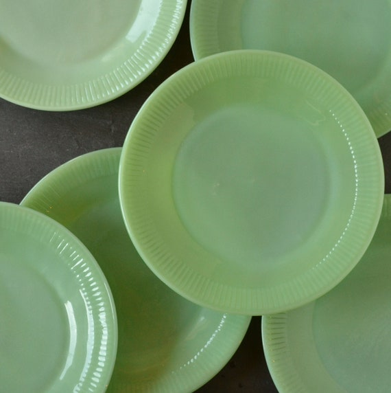 Plates And Bowls Set Simple