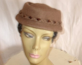 Elegant Henry Pollak Mauve-ish/Brown Wool Vintage Hat with Brown Bead Detail around Brim