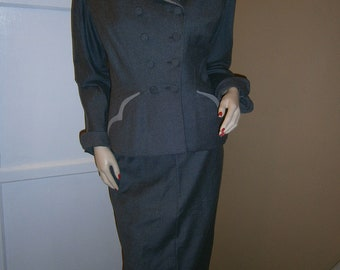 Sale-----1950's MARSHALL FIELD & Company Gray Double Breasted Tailored Suit