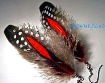 Red black and white short feather earrings