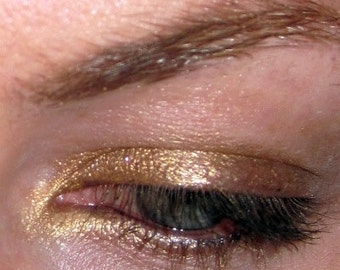 Versailles Bright True Gold Vegan eyeshadow