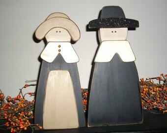 Primitive wood Pilgrims thanksgiving decor country