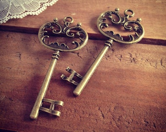 Large Skeleton Key Charms in Antique Bronze vintage style Pendant Ornate Fancy Victorian  (BD162)