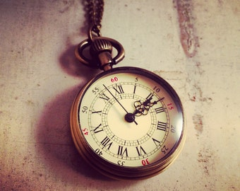 1 Pc Round Pocket Watch Necklace Pendant Simple Round Antique Bronze Old English Grandfather style  (BB047)