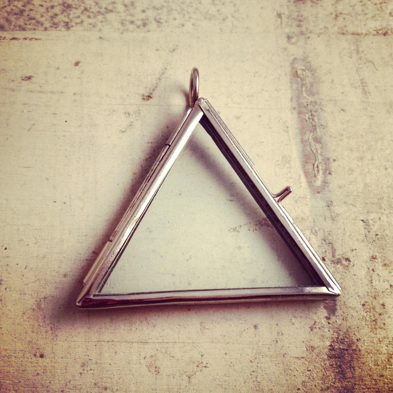 Triangle Frame - Proga | Info