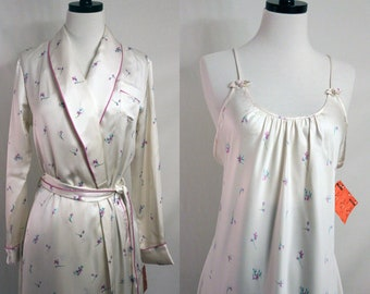 Vintage Robe and Nightgown Georgette Trabolsi Large Floral Ivory and Purple