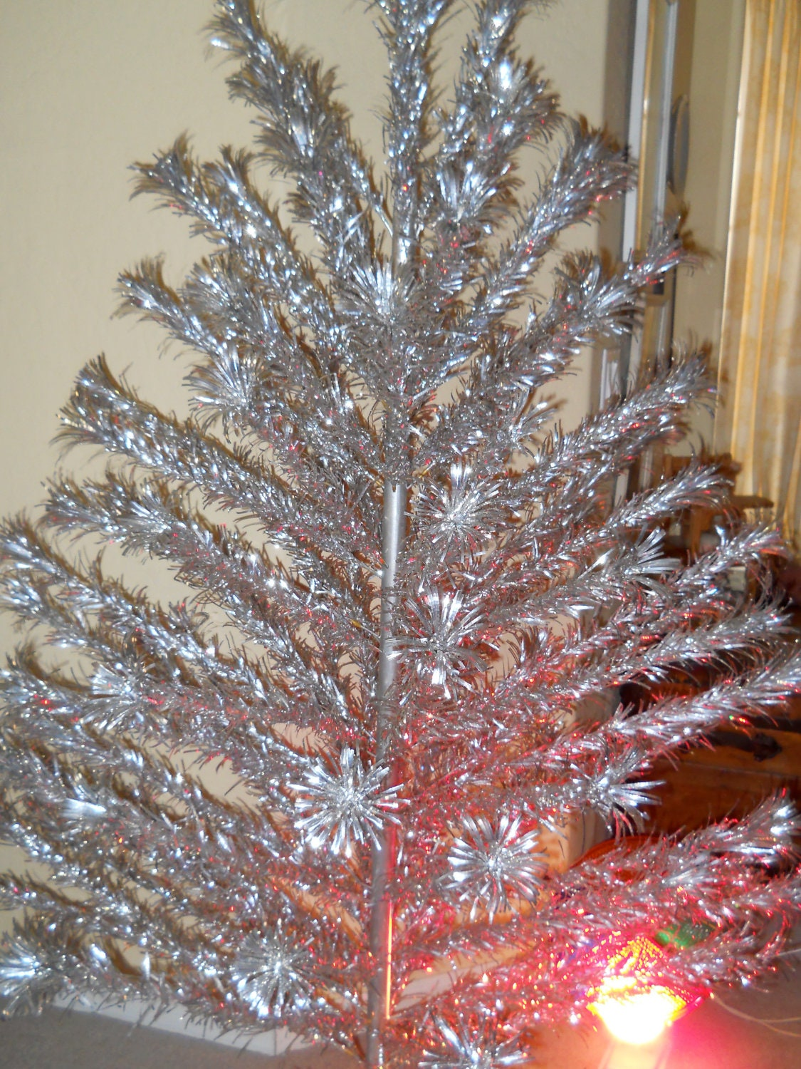 Vintage ft aluminum christmas tree by silverline and color