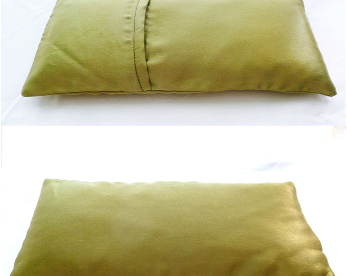 Balsam fir yoga eye pillow: silk and washable