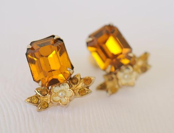 1940s vintage Coro earrings // MARIGOLD
