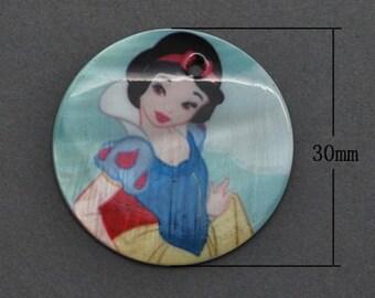 4 ct Snow White Pendant 30mm - Disney Princess Round Shell Charm Drop