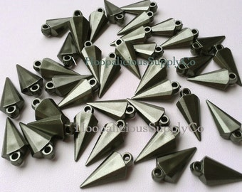 25 Unique Arrowhead Spikes with Top Loop-  MATTE Metallic Forest GREEN Color- Acrylic