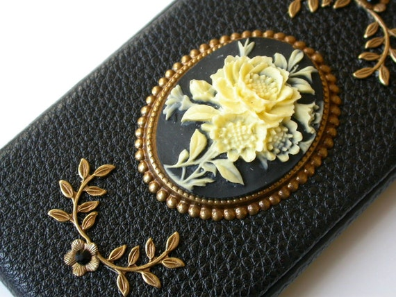 iPhone 4 and 4s Black Leather Flip Case - Vintage Victorian Cameo iPhone Case - iPhone Accessories