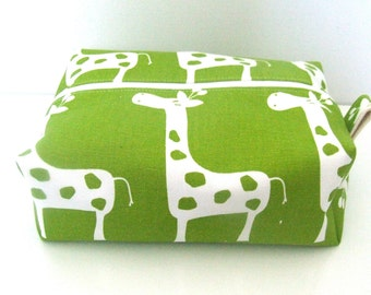 Giraffe wipe bag -  Cosmetic Pouch - Diaper Bag -  Lunch Bag - Wet Bag - Giraffe Makeup Bag