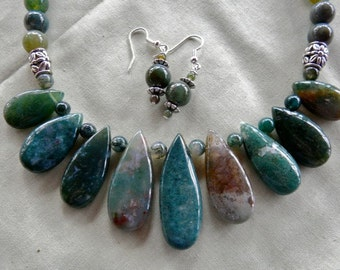 18 Inch Green India Agate Teardrop Necklace and Earrings