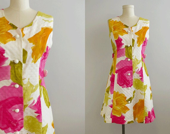 Vintage 1960s Hawaiian Dress / 60s Tori Richard Fitted Cotton Floral Rose Print Mini Dress Pink Gold White