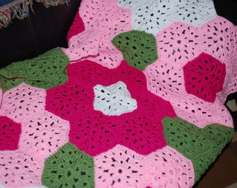Crocheted Flower baby afghan in Pinks with matching beanie & 2 pairs of booties
