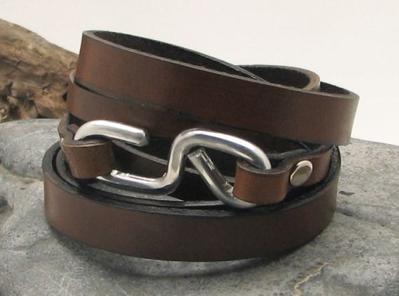 FREE SHIPPING .Men's metal bracelet.Brown flat leather wirstband wrap bracelet with hammered metal work infinity clasp