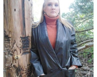 WORKING GIRL Long Black Leather Coat / Womens Size Medium / Calf Length / Shoulder Pads