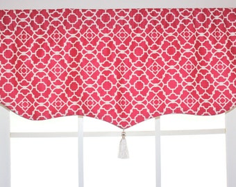 Trellis banner valance with cord and tassel