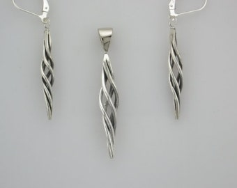 Twist Pedant and Earring Set