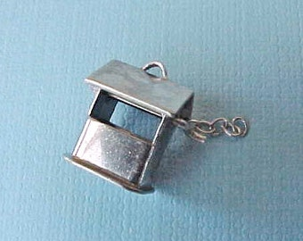 Pretty Little Vintage Sterling Silver Wishing Well Charm
