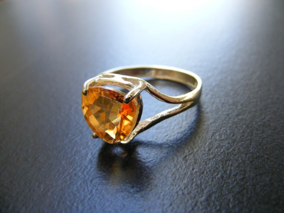 New Sterling Silver Simply Styled Contemporary Designed  Ring With Mandarin Topaz Gemstone