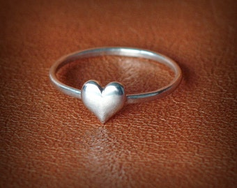 Dainty Heart Ring - silver heart ring - love ring - handmade  - Sterling Silver 925 - Jewelry by Katstudio