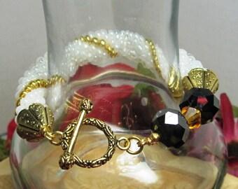 Crochet Bracelet, White Bracelet, Bead Bracelet, Womens Bracelet