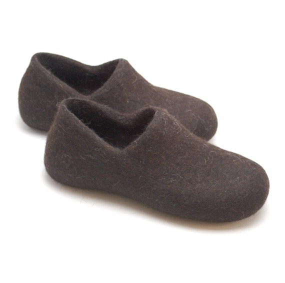 mens shoes felted wool clogs brown eco friendly