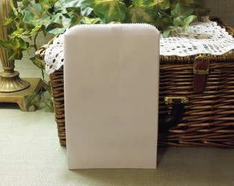 White Gift Bags, White Paper Bags, SALE - 100 White 6x9 Paper Gift Bags, Merchandise Bags, Favor Bags, Weddings, Showers, Treats