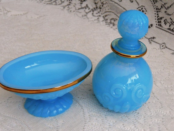 Avon Collectible Perfume Bottle and Soap Dish. Turquoise.