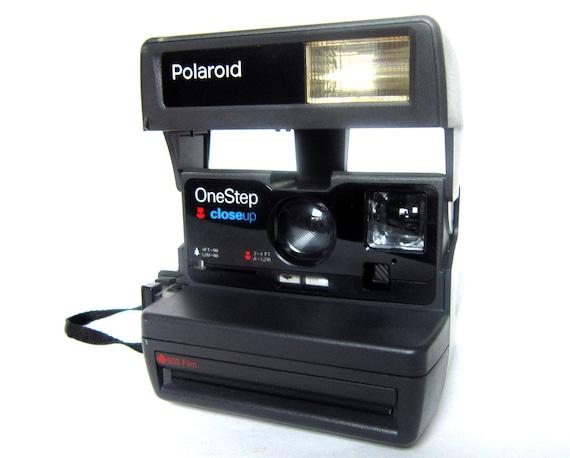 "Vintage Polaroid Camera, One Step Flash ""Close Up"" 600 Black"