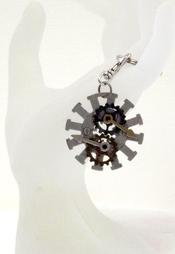 Handmade Key Ring            Steampunk  Metal Keychain  OOAK