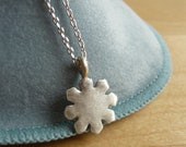 Small Snowflake necklace in 925 sterling silver