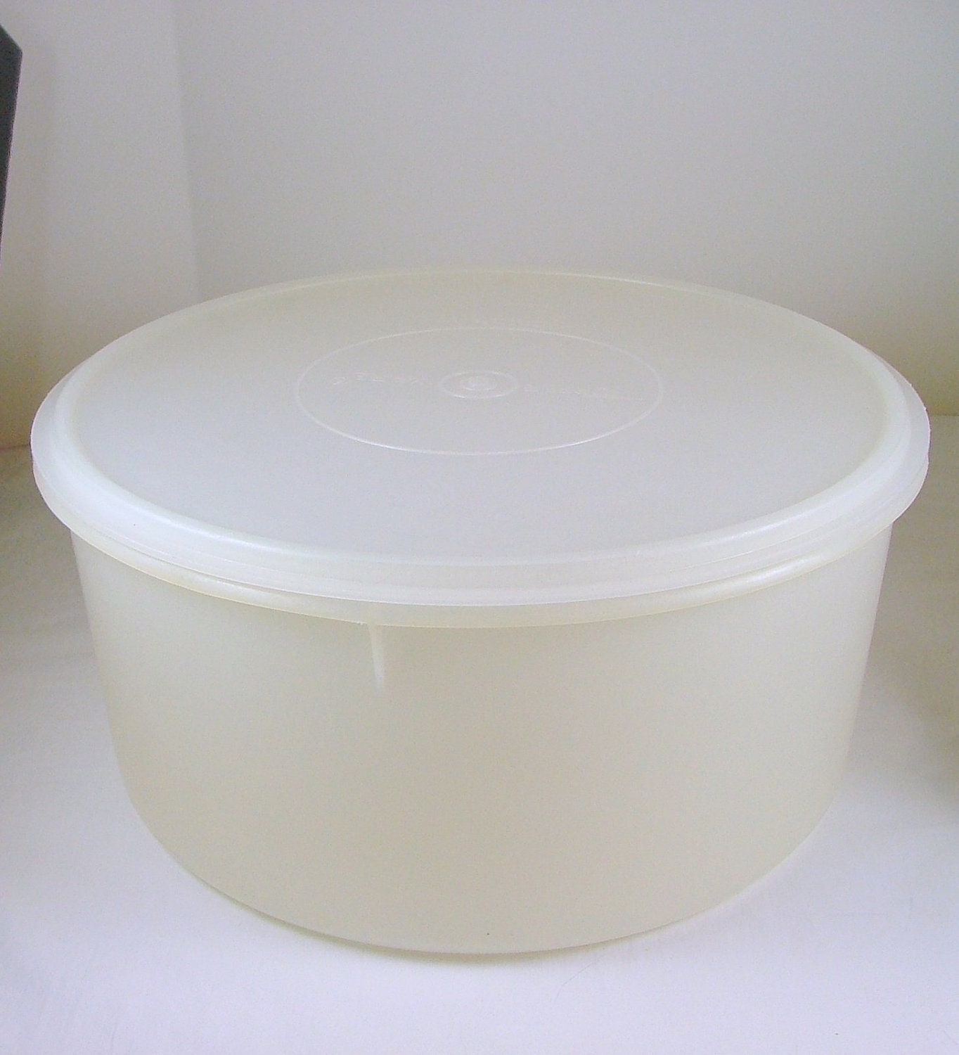Vintage Tupperware Large Round Storage Container In Opaque