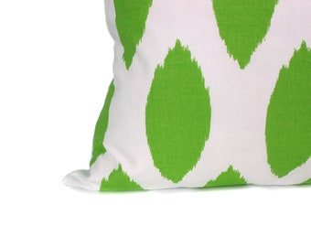 Green Pillow Cover. 24x24 Euro Pillow Sham. Ikat Pillow.Green and White Pillow.Cushion.Decorative Throw Pillows.Printed Fabric both sides