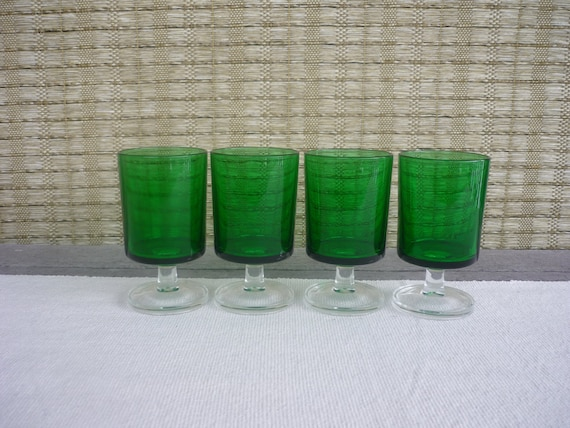 Set of 4 Vintage Luminarc Cavalier Emerald Aperitif Glasses, Made in France