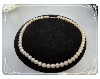 Classic Strand of Simulated Pearls - Pearl White Bead Necklace   -   Neck-1041a-120312000