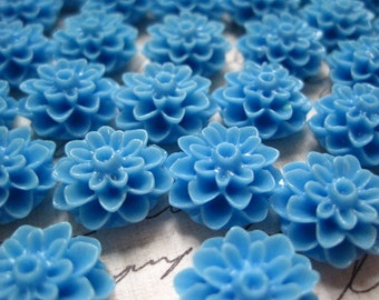 Dahlia Flower Cabochon, Blue Resin Flower Cabochons, 12 pcs Resin Dahlia Mum 15mm