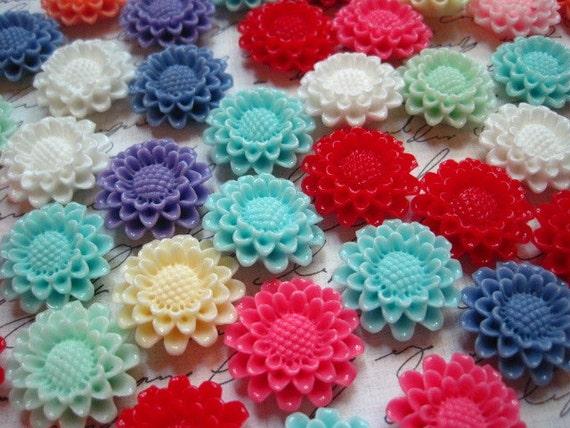 Cabochon Flowers 12 pcs Mixed Lot Pincushion Flowers 22mm