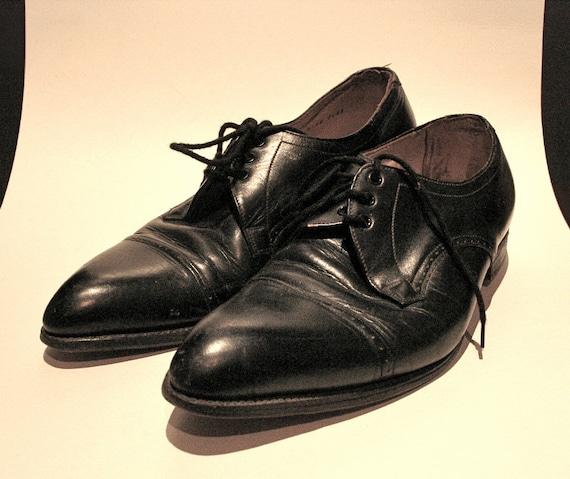 Vintage 1960s Mens Black Leather Dress Shoes - 9.5