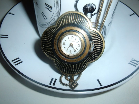 Caravelle Vintage Working Pendant Watch Flower Shape with Chain RETRO