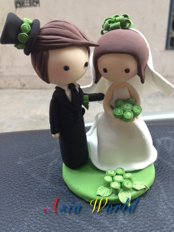 Green Wedding Cake topper, Wedding clay doll, Wedding decoration, engagement party