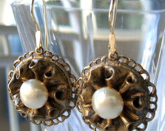 Vintage button earrings - Faux pearl and filigree earrings