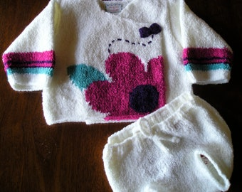 """2-piece """"Daisy"""" set - new, with tags."""