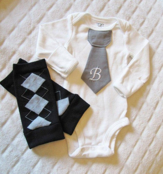 Newborn baby boy tie onesie/bodysuit and leg warmer set, long or short sleeves, argyle, gray, Photo Prop